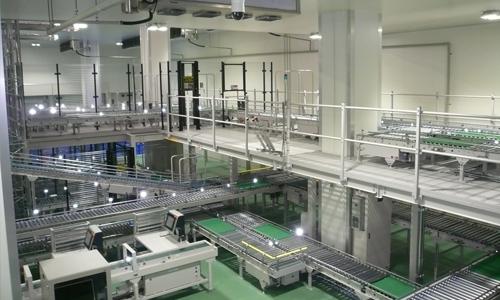 ・多くの配送先毎に異なる数量の製品を自動仕分する仕分機と製造実行システム
