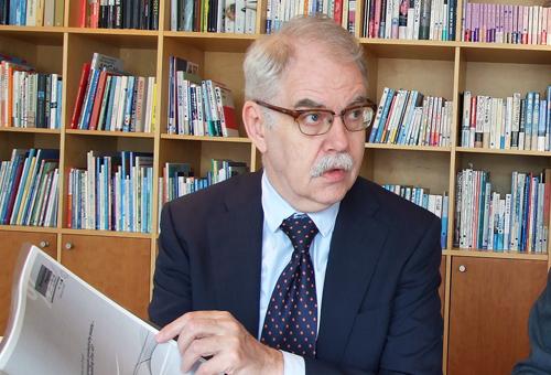 ノルウェー大使館 通商技術参事官 ロルフ・アルムクロヴ様
